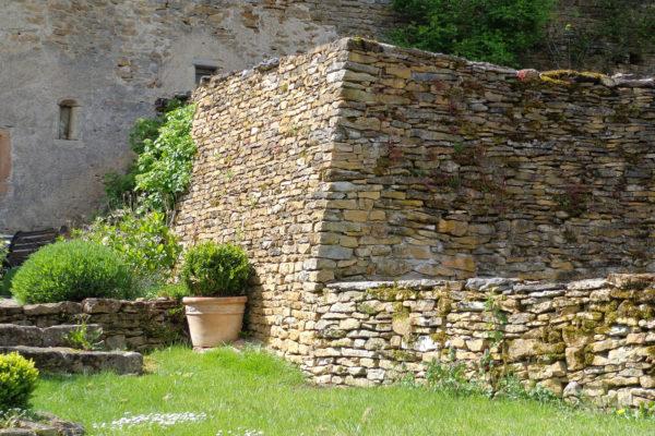 lambert-cyril-amenagement-portail-cluny-confrancon-chazelle_0000_Scheidegger 2016-05 (1)